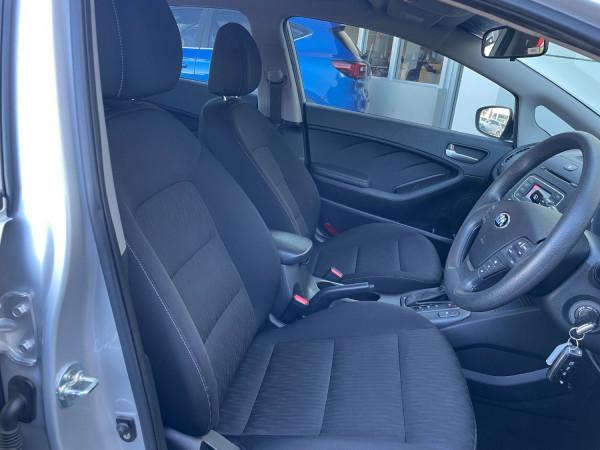 2016 Kia Cerato YD S Hatchback