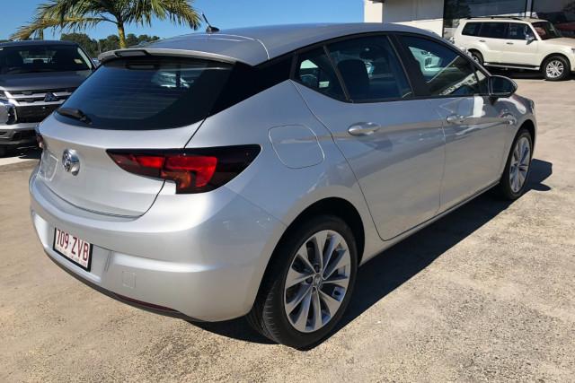 2019 MY20 Holden Astra BK R Hatchback Image 4