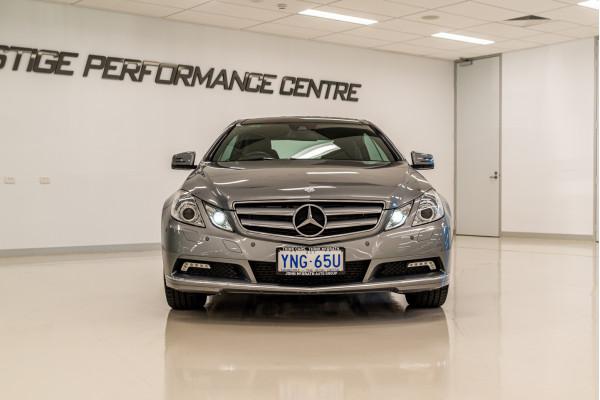 2010 Mercedes-Benz E-class C207 E250 CDI B Elegance Coupe Image 2