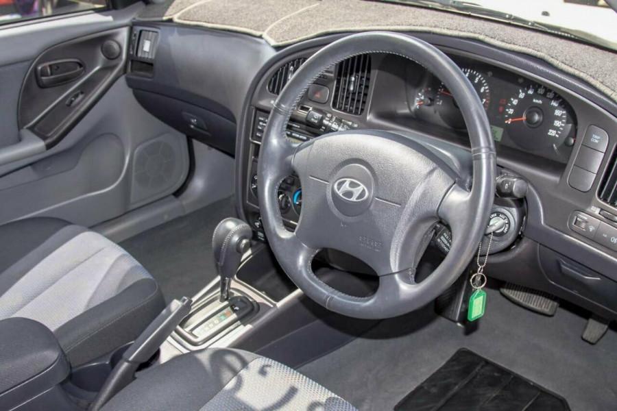 2005 Hyundai Elantra XD 05 Upgrade 2.0 HVT Hatchback Image 6