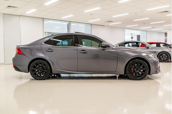 2013 Lexus Is GSE31R 350 Luxury Sedan Image 3