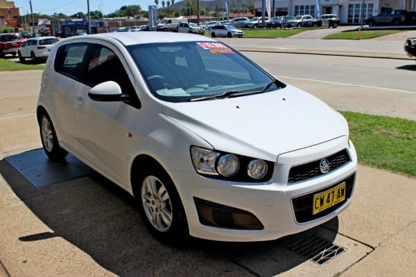 2014 Holden Barina TM  CD Hatchback Image 4