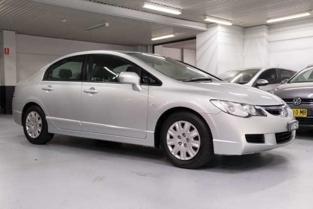 2007 Honda Civic 8th Gen  VTi Sedan Image 3