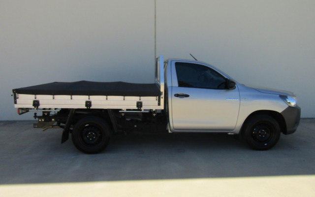 2018 Toyota HiLux TGN121R WORKMATE Cab chassis Image 2