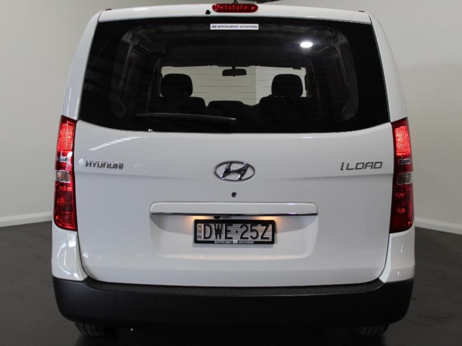 2017 Hyundai iLoad TQ3-V Series II Van Liftback