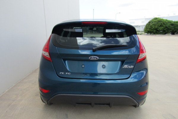 2011 Ford Fiesta WT LX Sedan Image 4