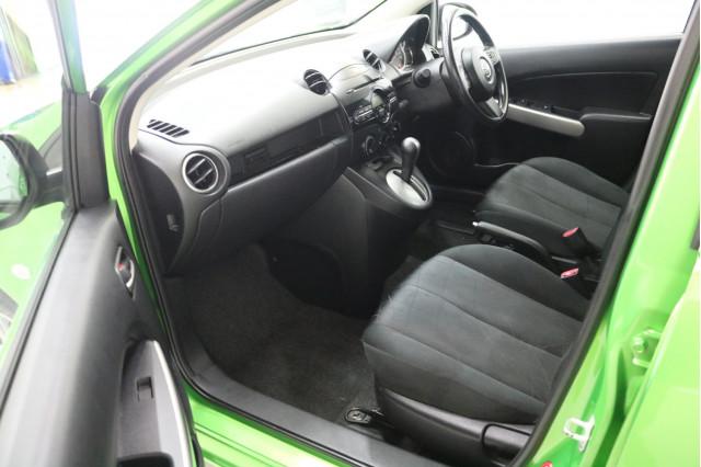2013 Mazda 2 DE Series 2 Neo Hatchback Image 5
