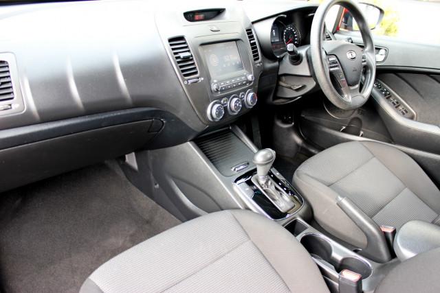 2017 Kia Cerato YD  S Hatchback Mobile Image 11