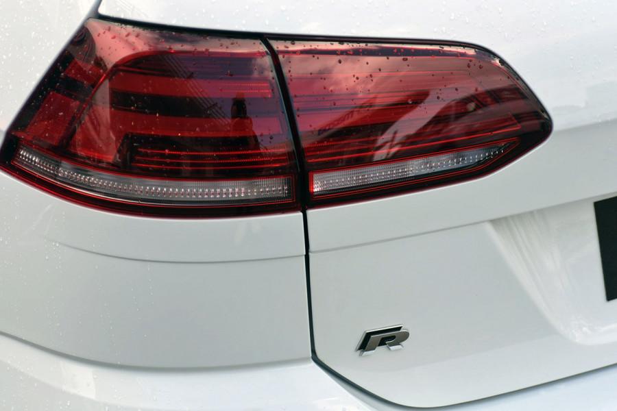 2018 Volkswagen Golf Wagon 7.5 R Wagon Mobile Image 5