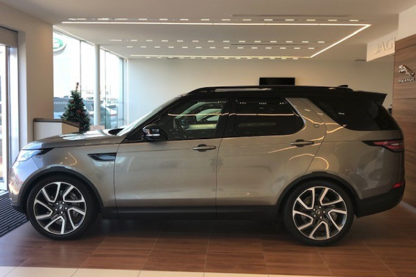 2019 Land Rover Discovery Series 5 HSE Suv Image 3