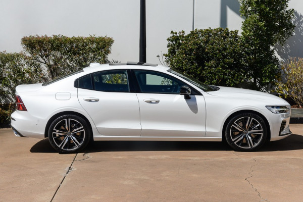 2019 MY20 Volvo S60 Z Series T8 R-Design Sedan Image 5
