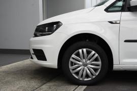 2019 Volkswagen Caddy 2K Trendline Wagon Image 5