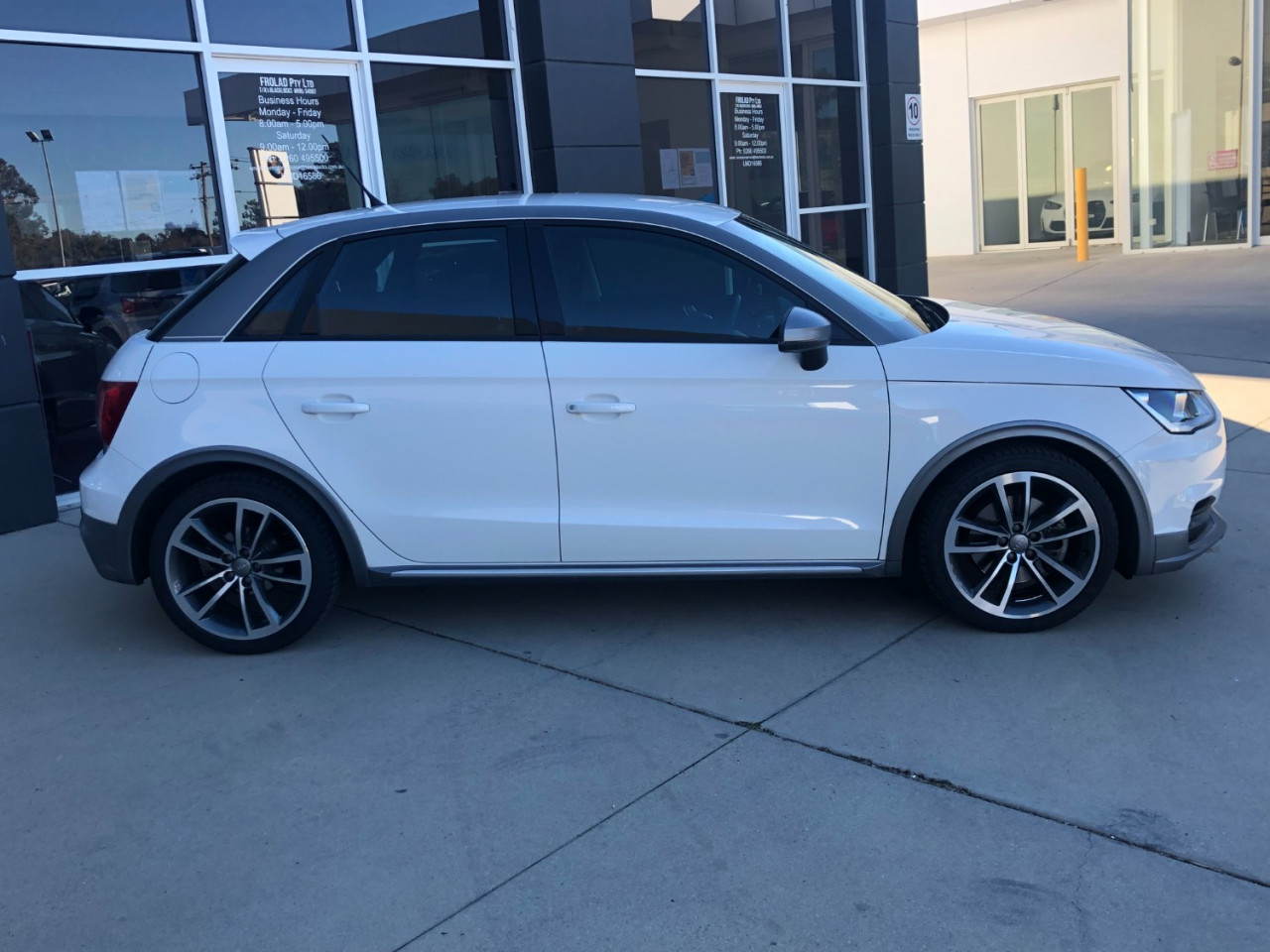 2017 MY18 [SOLD]    Image 11