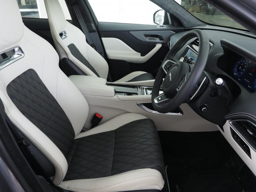 2020 Jaguar F-pace Suv Image 7
