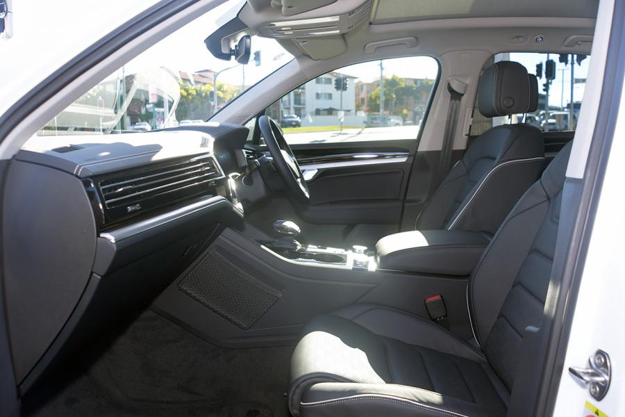 2019 MY19.5 Volkswagen Touareg CR Launch Edition Suv