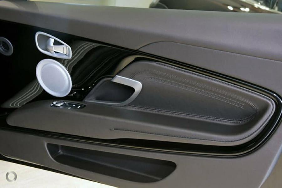2018 Aston martin Db11 V8 Coupe Image 15