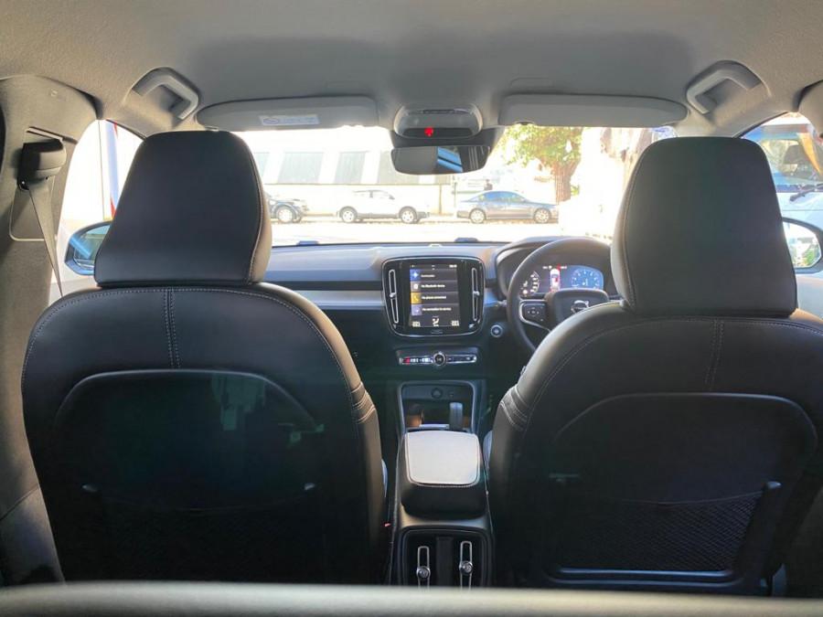 2021 Volvo XC40 XZ T4 Momentum Suv Image 15