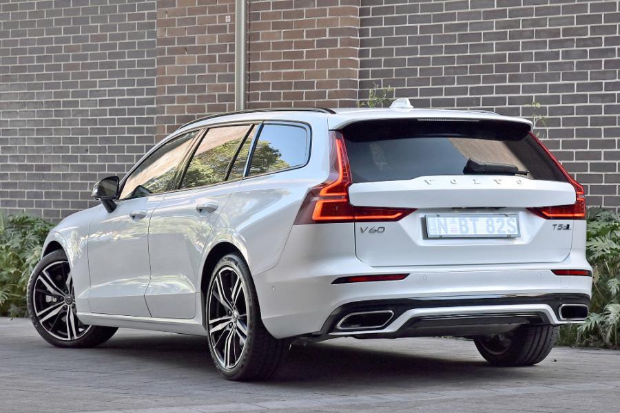 2020 Volvo V60 T5 R-Design T5 R-Design Wagon Mobile Image 2