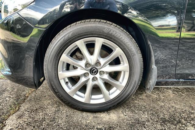 2015 MY14 Mazda 6 GJ1032 Sport Sedan