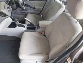 2012 Honda Civic 9th Gen Ser II VTi Sedan image 17