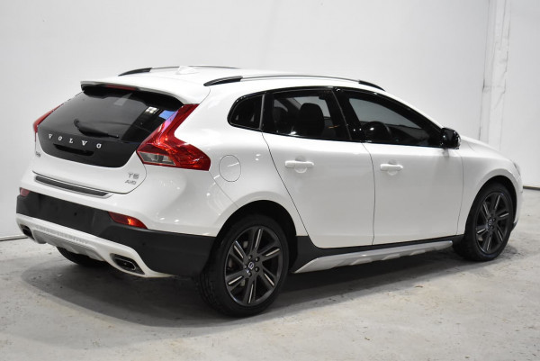 2014 Volvo V40 Cross Country (No Series) MY14 T5 Luxury Hatchback