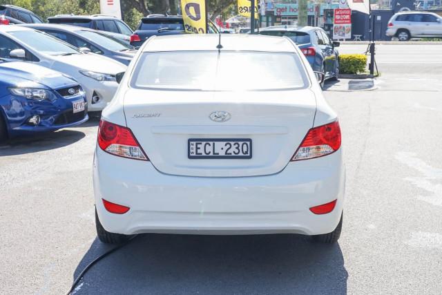2014 Hyundai Accent RB2 MY15 Active Sedan Image 3