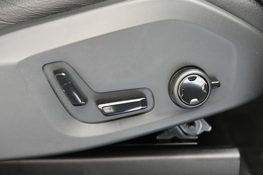 2020 MYon Volvo XC90 L Series D5 Momentum Suv Image 15