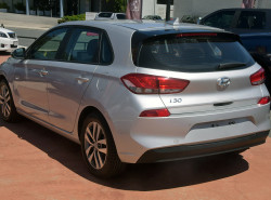 2017 MY18 Hyundai i30 PD Active Hatchback Image 4