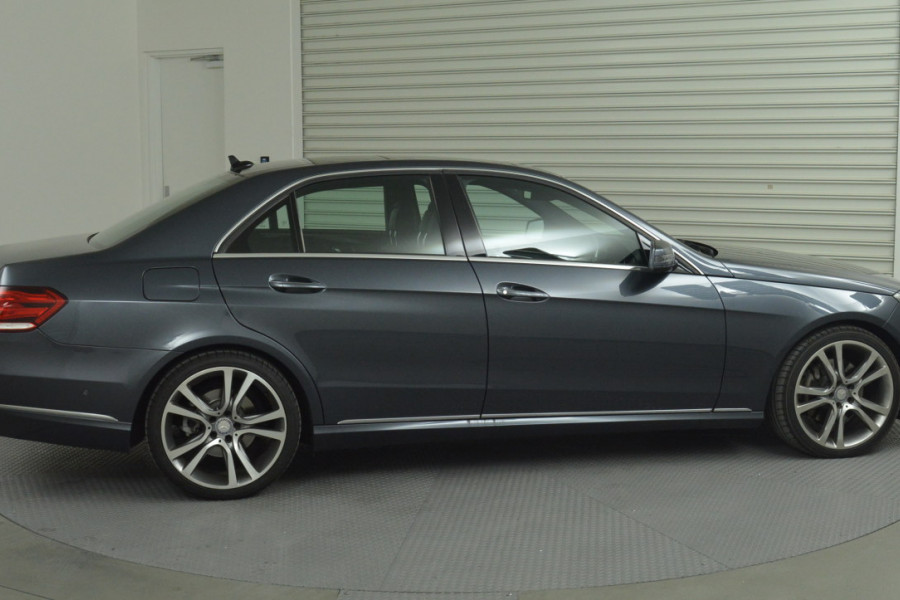 2013 Mercedes-Benz E300 W212 MY13 BlueTEC Sedan Mobile Image 3