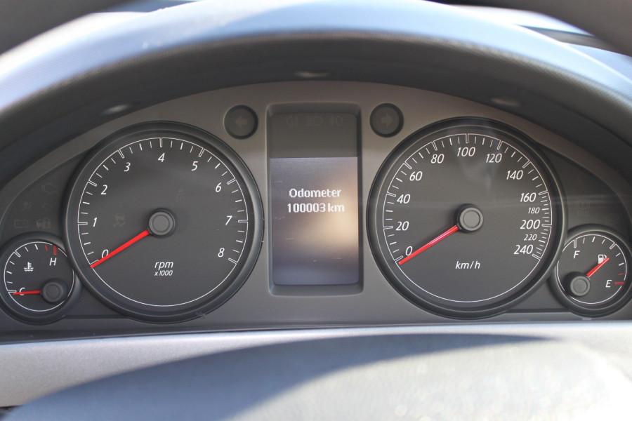 2012 Holden Commodore VE II MY12 Omega Sedan Image 9