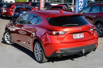 2014 Mazda 3 Hatchback Image 2