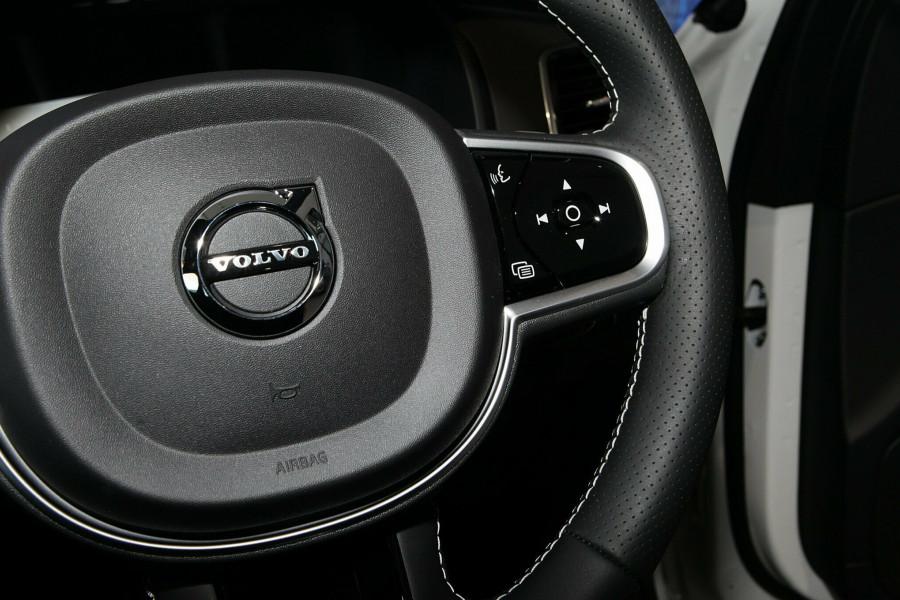 2019 Volvo XC90 L Series T6 R-Design Suv Mobile Image 14