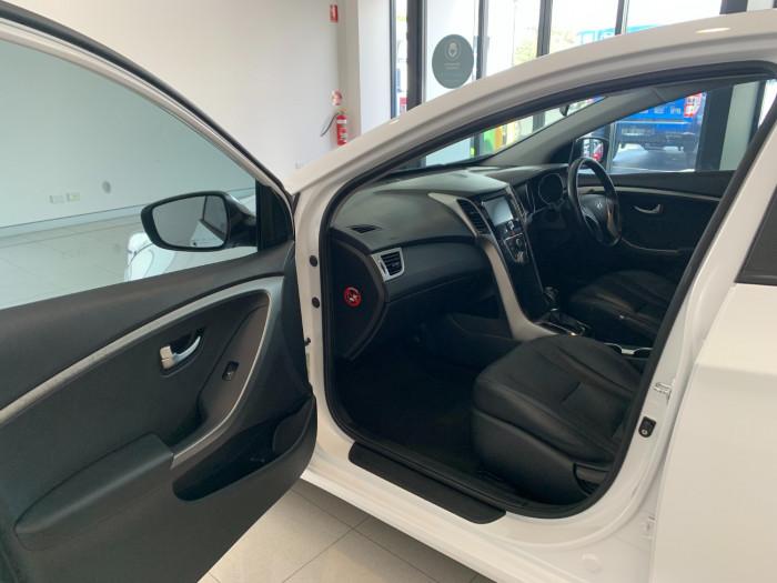 2016 MY17 Hyundai i30 GD4 Series II Active X Hatchback Image 18