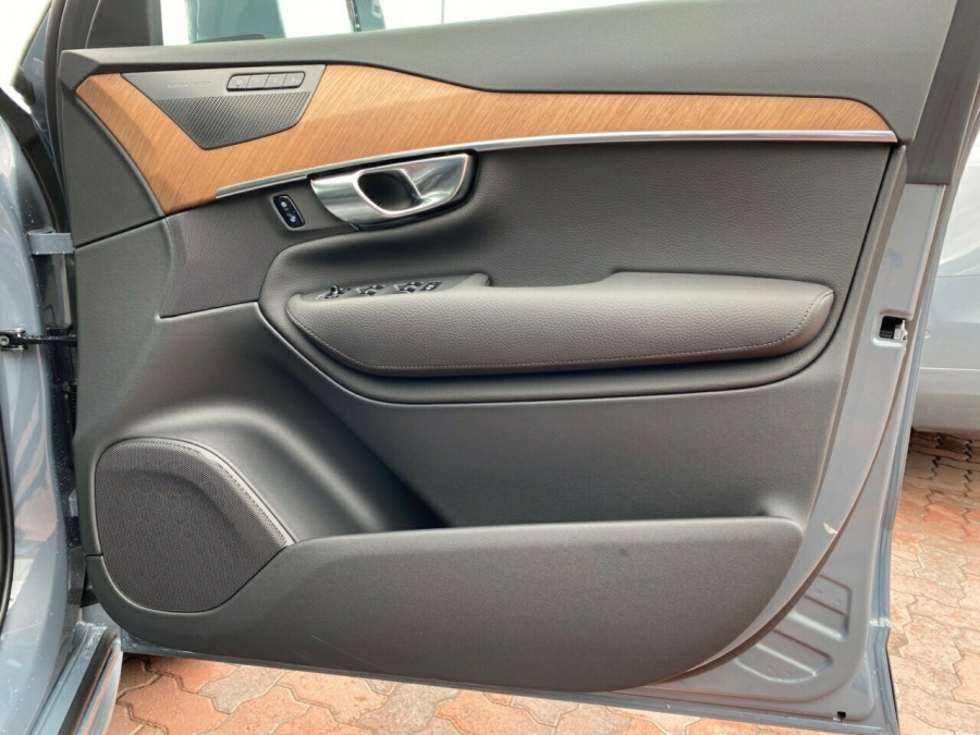 2020 MY21 Volvo XC90 L Series D5 Momentum Suv Image 6