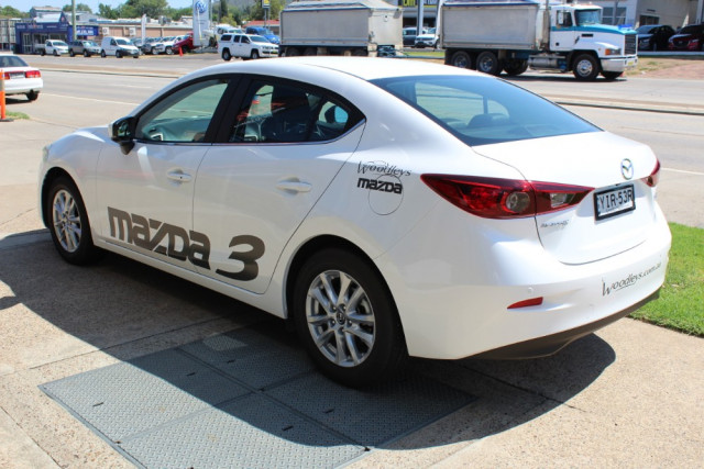 2018 Mazda 3 BN Series Touring Sedan Sedan Image 5