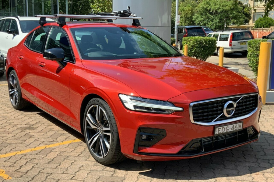 2019 MY20 Volvo S60 Z Series T5 R-Design Sedan Mobile Image 3
