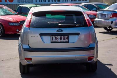 2007 Ford Focus LT LX Hatchback Image 5