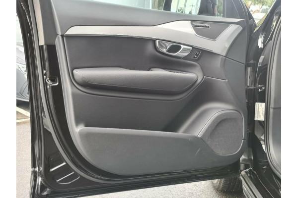 2016 Volvo XC90 T6 Momentum Suv Image 5