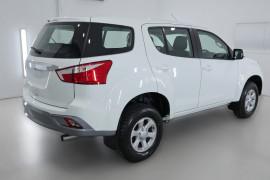 2019 Isuzu UTE MU-X LS-M 4x2 Wagon Image 2