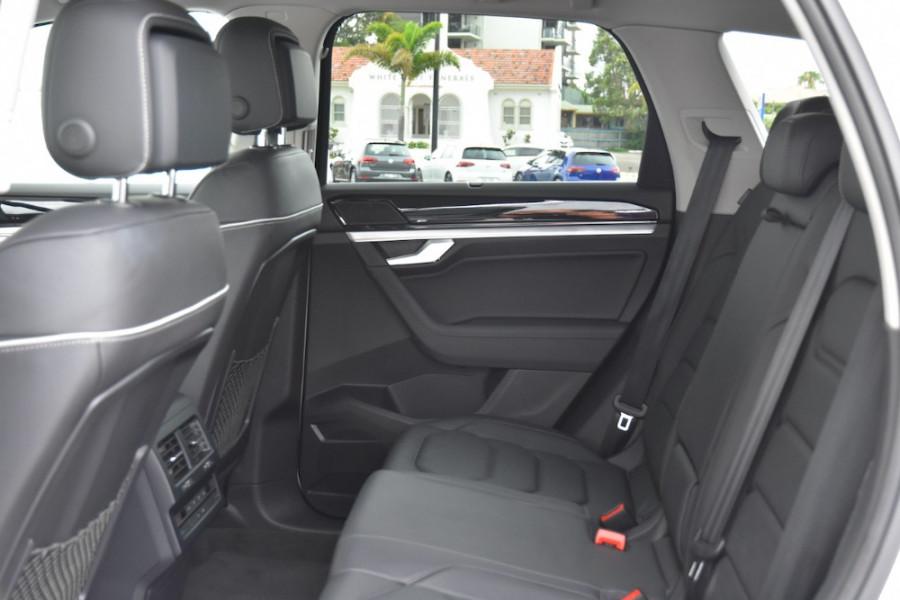 2019 Volkswagen Touareg CR MY19 190TDI Suv Image 7