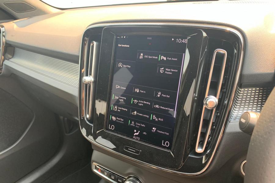 2020 Volvo XC40 XZ T5 R-Design Suv Mobile Image 9