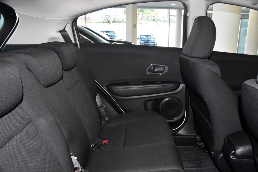 2015 Honda HR-V VTi-S Suv Image 9
