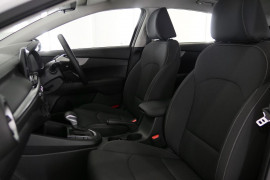 2020 Kia Cerato Hatch BD S with Safety Pack Hatchback Image 2