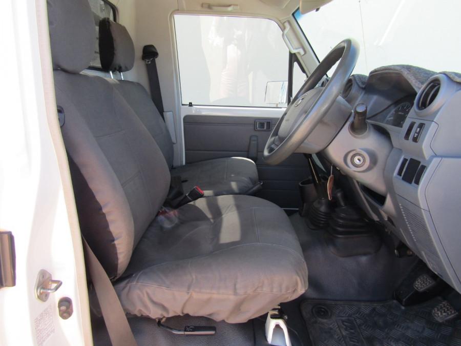 2013 Toyota Landcruiser VDJ79R MY13 GX Cab chassis Image 15