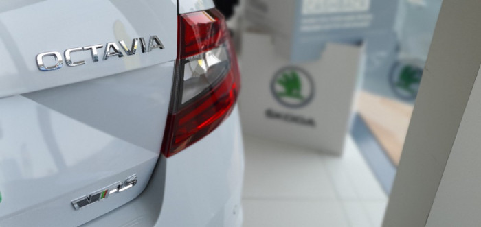 2019 Skoda Octavia NE RS Sedan Sedan Image 3