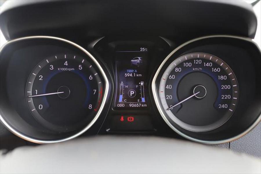 2012 Hyundai I30 GD Elite Hatchback Image 13