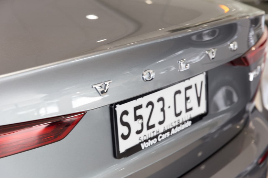 2020 Volvo S60 Z Series T5 R-Design Sedan Image 15