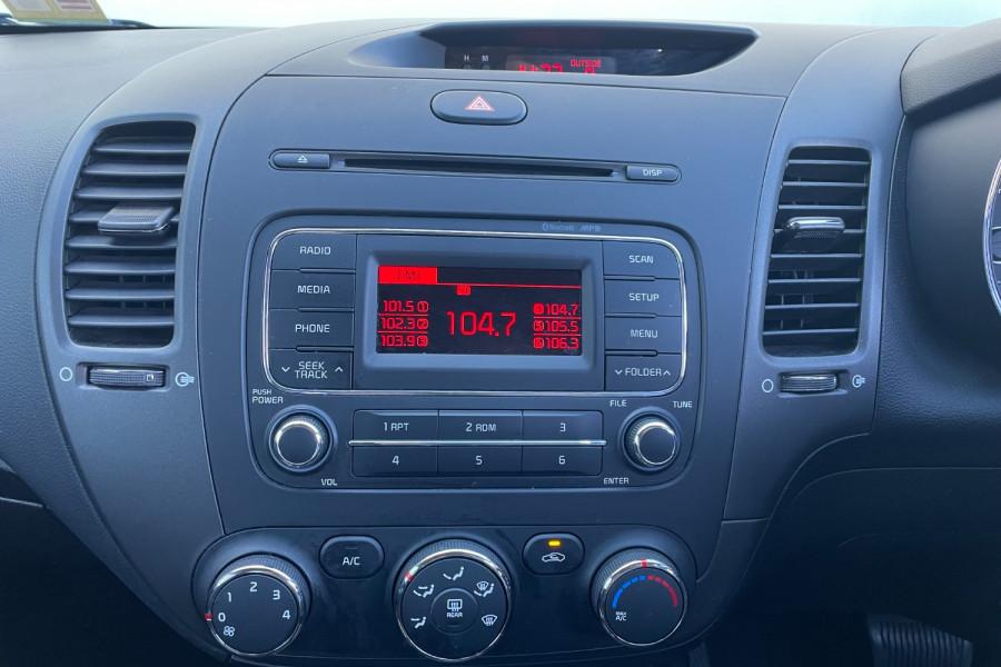 2016 Kia Cerato YD S Hatchback Image 14