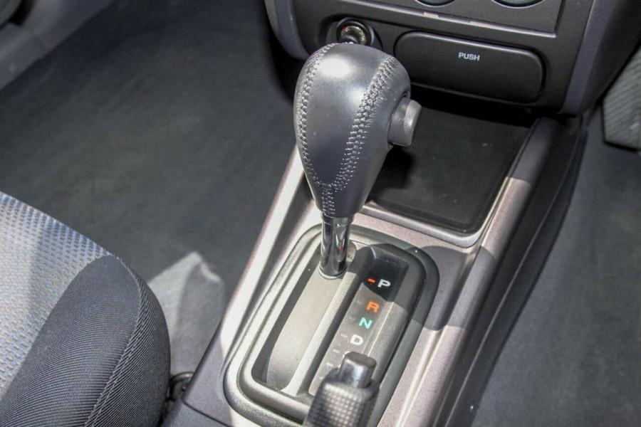 2005 Hyundai Elantra XD 05 Upgrade 2.0 HVT Hatchback Image 10