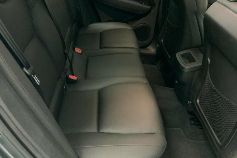 2018 MY19 Volvo XC60 246 MY19 D4 Momentum (AWD) Suv Mobile Image 20